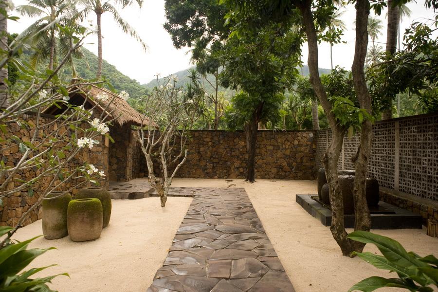 Jeeva klui lombok bali landscape company for Bali landscape design