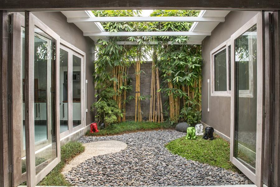 Villa russian bali bali landscape company for Bali landscape design