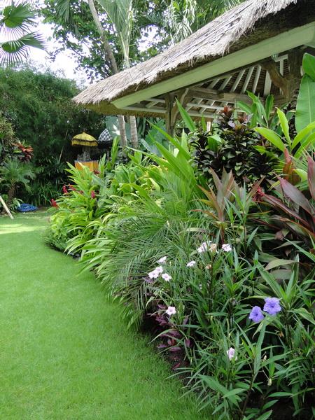 Elang villa bali bali landscape company for Bali garden designs